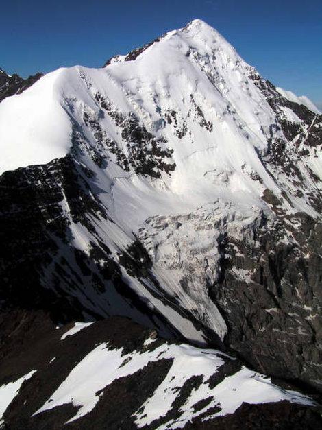 Восточный гребень Шаухох и северная стена