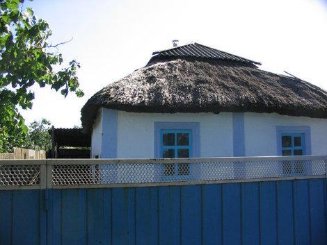 Саманный домик в окрестностях Темрюка