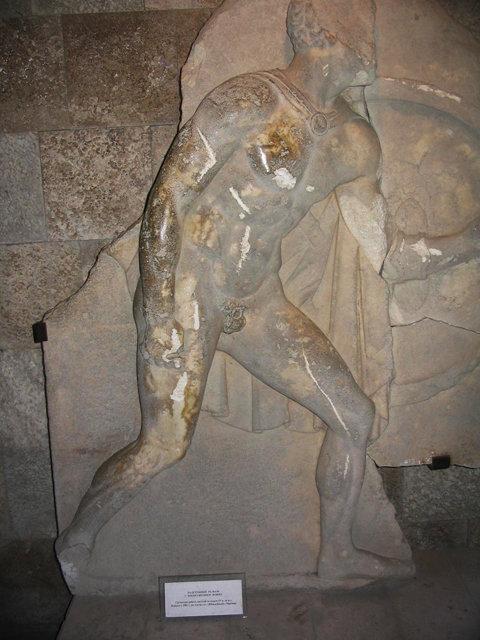 Надгробный рельеф греческой работы, IV в. до н.э. Мрамор Найден в 1982 г на землях в/с
