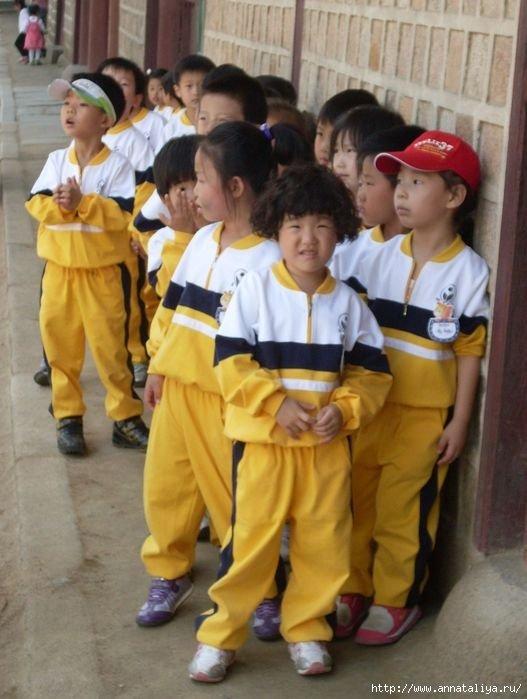 Корейские дети на экскурсии