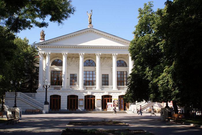 Театр в Севастополе