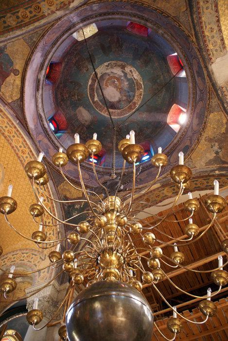 Люстра во Владимирском соборе в Севастополе