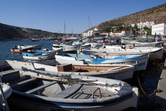 Лодки в порту Балаклавы