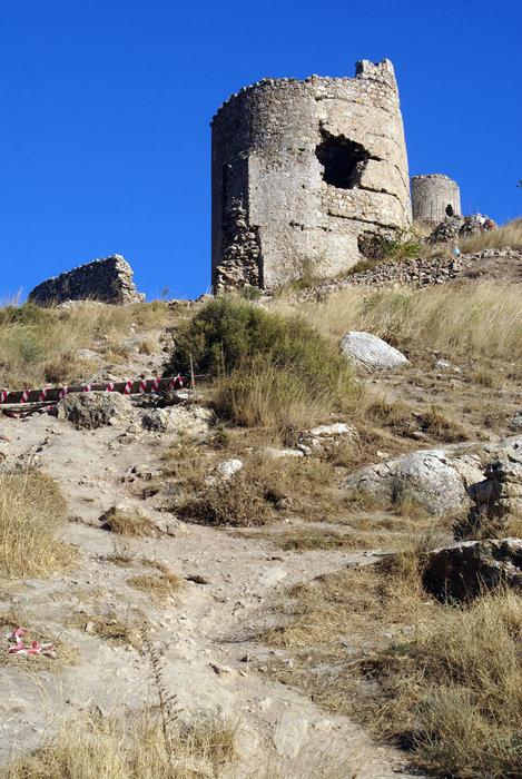 Полуразрушенная башня, Балаклава