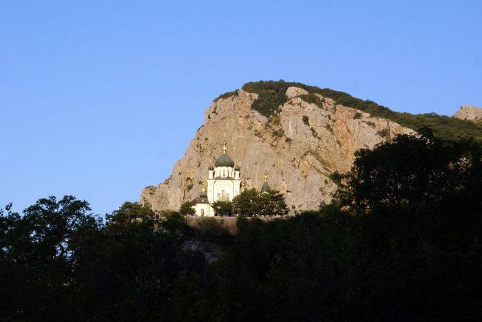 Форосская церковь ранним утром