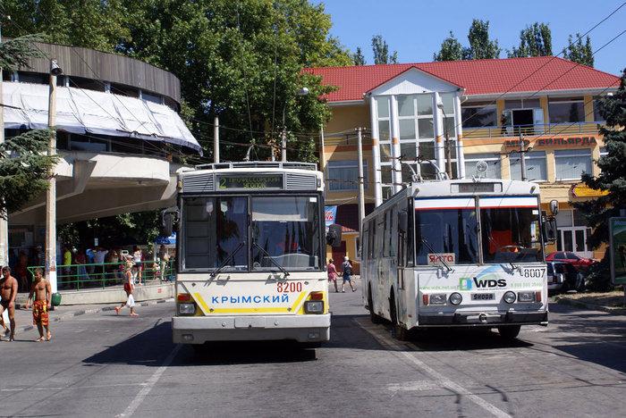 Троллейбусы у старого автовокзала, Алушта
