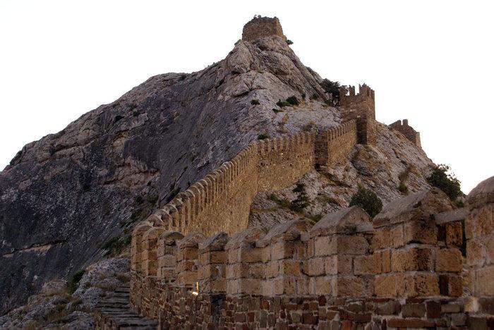 Крепостная стена, Судак