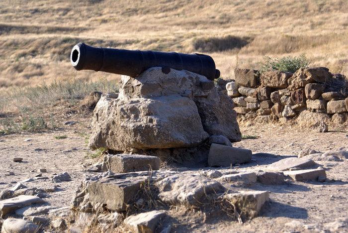 Старинная пушка в крепости, Судак