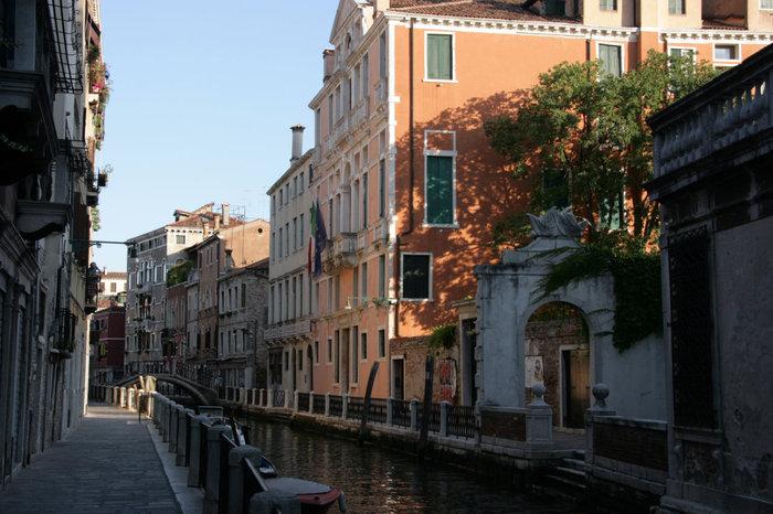 один из венецианских каналов