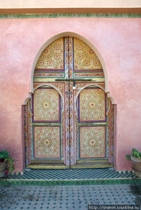 В Марокко дверь — произведение искусства!