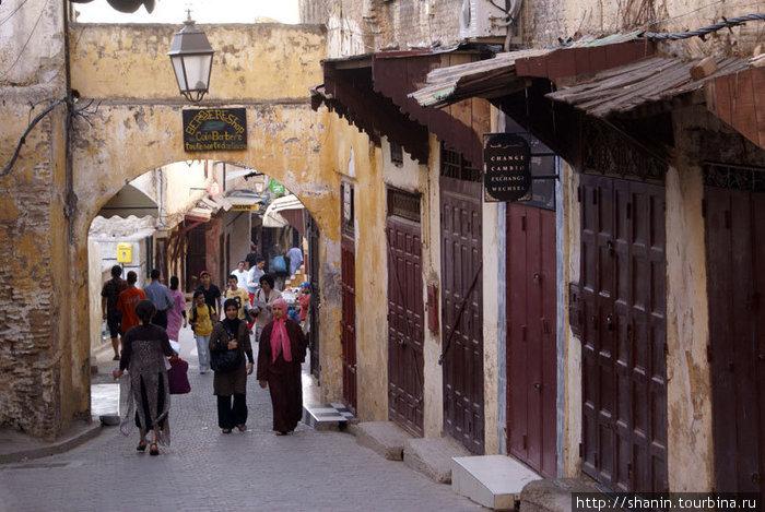 Самая широкая (!!!) улица Старого Феса