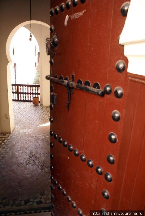 Дверь во двор Великой мечети