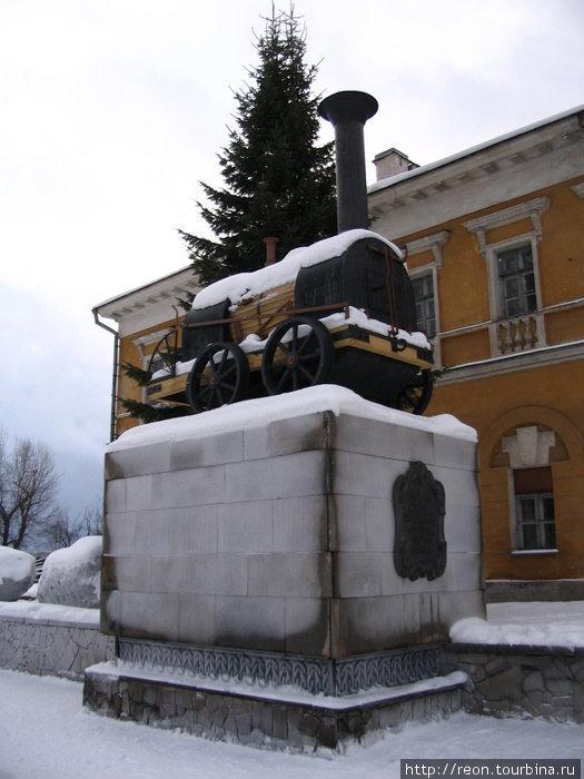 Памятник паровозу Черепановых