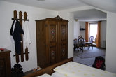 Наш уютный номер на двоих в отеле Альпенхоф. Переход в спальню.