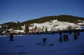 Юнгхольц — славится не только своим молодым деревом, что отражено в его названии, но и количеством молодняка на склонах — здесь катаются семьями, многие раньше стают на лыжи, чем начинают ходить...