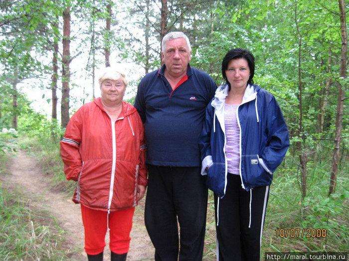 Вячеслав Шинкаренко свыше тридцати лет назад привёз сюда молодую жену. Таким образом, он сделал своей супруге Ольге свадебный подарок. Теперь сюда каждое лето приезжает его дочь Марина с сыном Тёмой.
