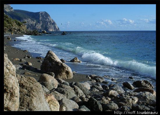 Серебряный (ближний пляж)