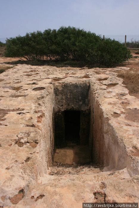 гробницы Макрониссос
