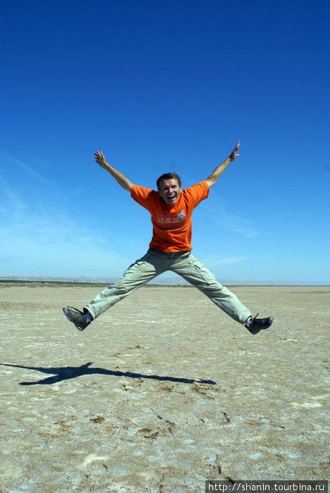 Валерий Шанин на соляном озере Чот эль-Джерид