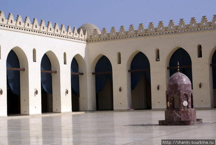 Внутренний двор мечети