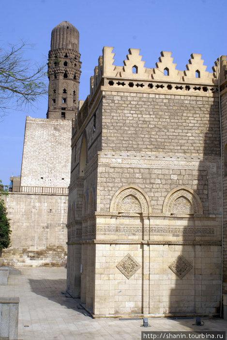 Мечеть-крепость с башней-минаретом