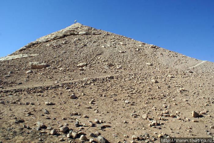 Храмовая гора. Храм Рамзеса II с противоположной стороны на склоне