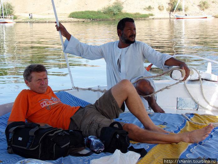 Валерий Шанин на фелюке с капитаном