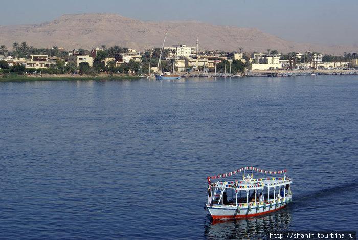 Паром через Нил в Луксоре