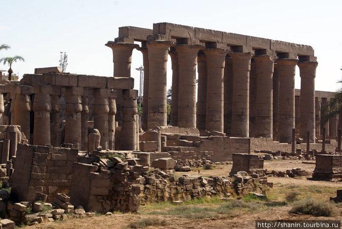 Колонны Луксорского храма