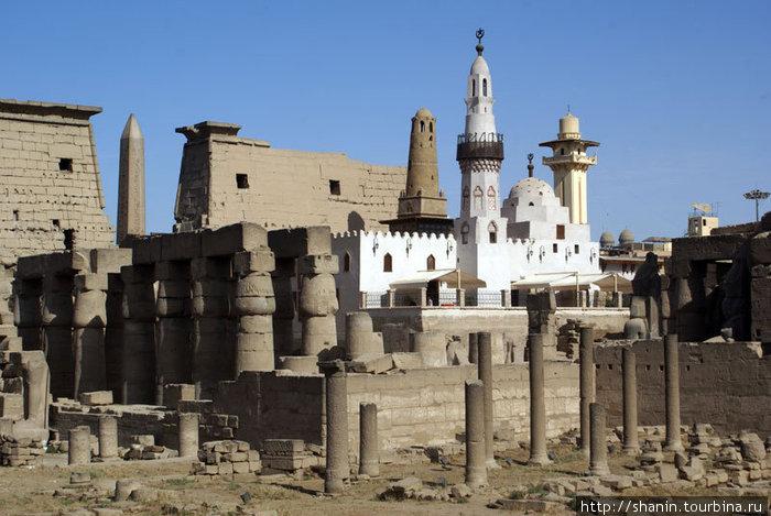 Мечеть на территории Луксорского храма