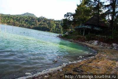 вулканическое озеро Линоу