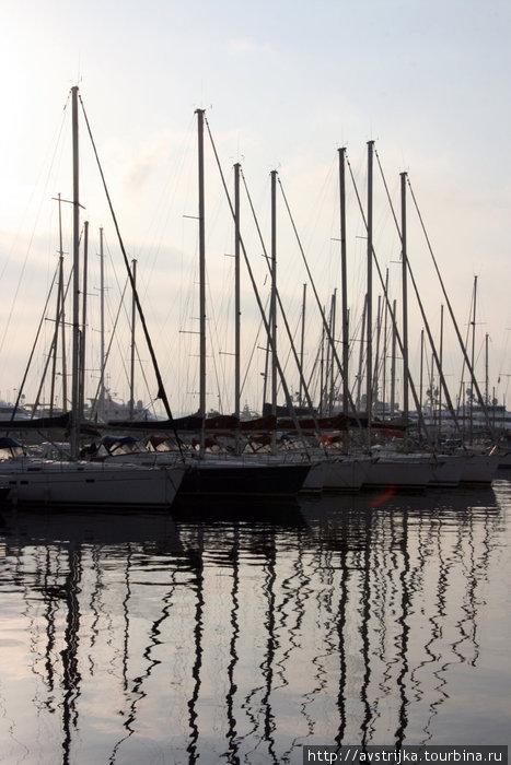 яхты в Каннском порту