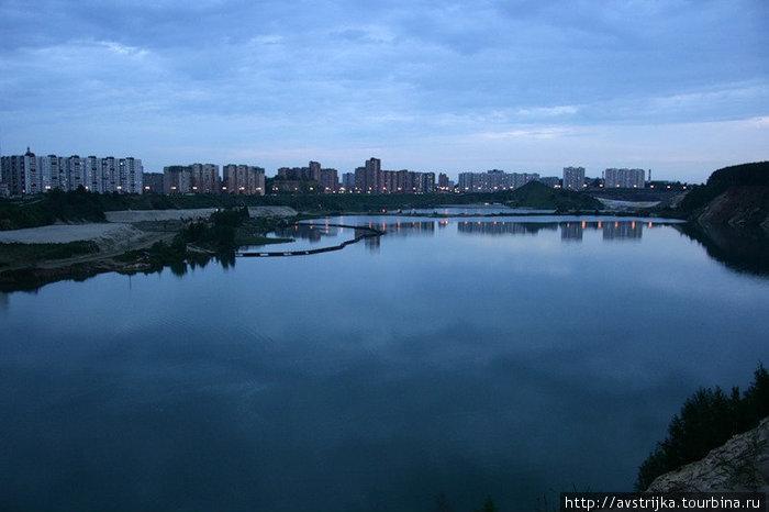 панорама на Дзержинский и карьер вечером