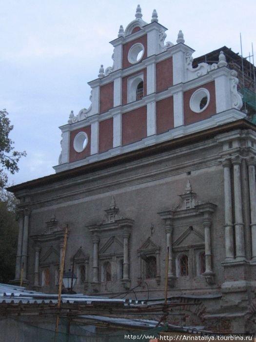 Храм во имя Тихвинской иконы Божьей матери