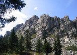 Гора Откликной гребень. Названа так из-за отличного эха