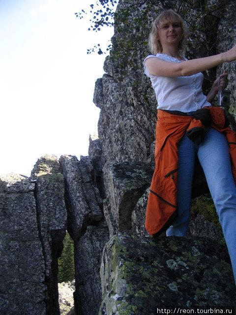 Прыгать по таганайским камням доступно всем, даже безо всякой альпинистской или горной подготовки. Что, конечно, не отменяет необходимость смотреть под ноги ) Златоуст, Россия