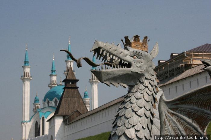 мечеть Кул Шариф и страж Кремля