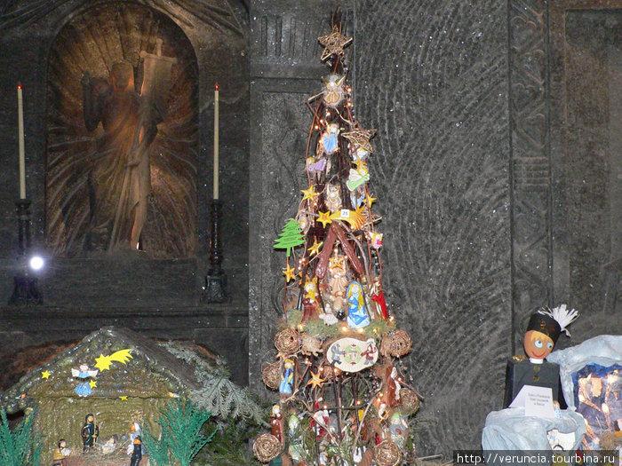 В соляном храме в Величке на Рождество