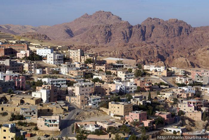 Поселок Вади Муса — у входа в Петру