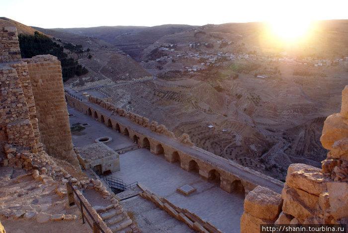Закат в замке Карак