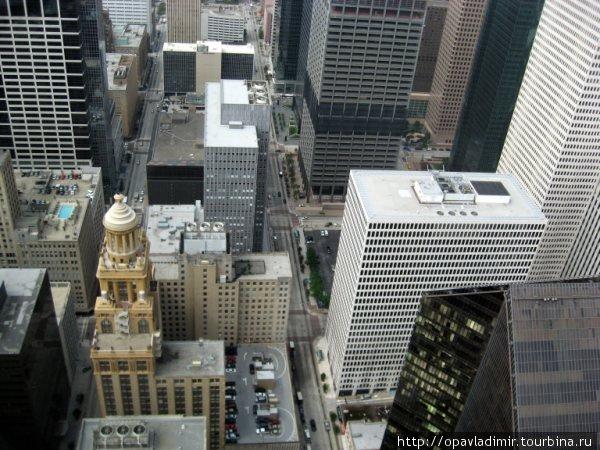 Вид сверху-    Даунтаун Хьюстона с 60-го этажа