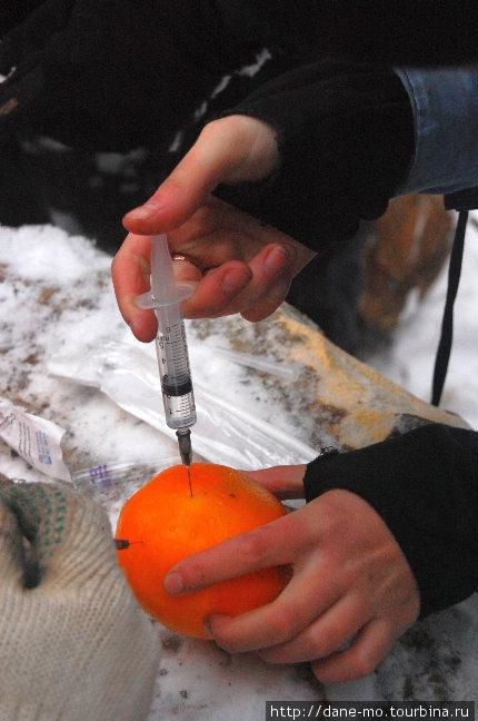 Пациентом, которому делали уколы, был выбран апельсин