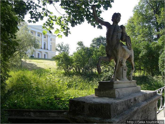 На мосту. Вид на Павловский дворец