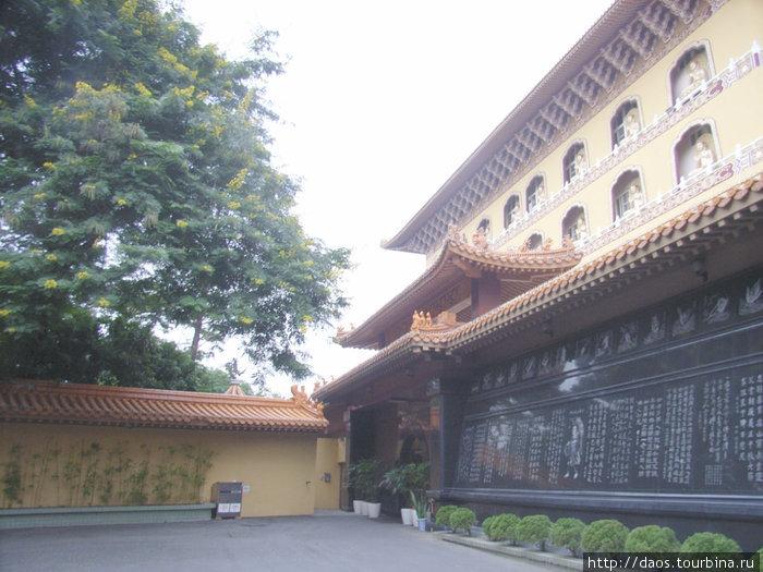 Фогуаншань - сквозь небеса буддийского рая Dashu, Тайвань
