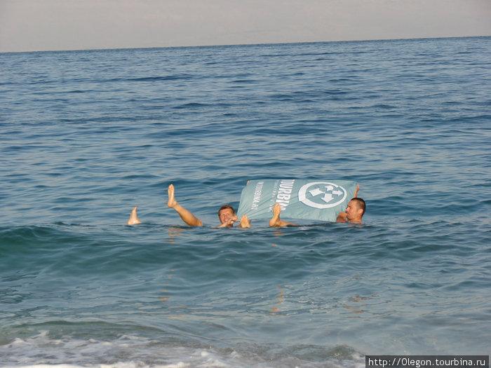 Парусник Турбина на Мёртвом море