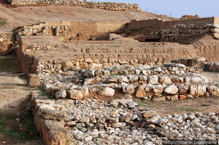 Руины западного дворца в Эбле