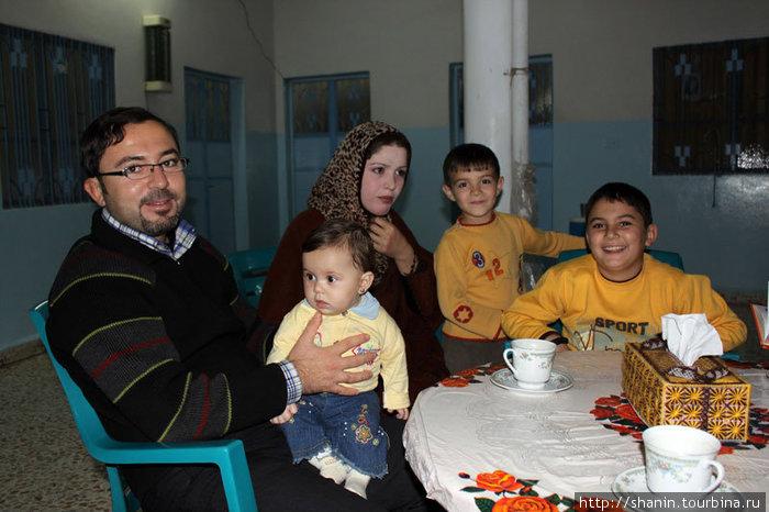 В доме Мусаба Хамади