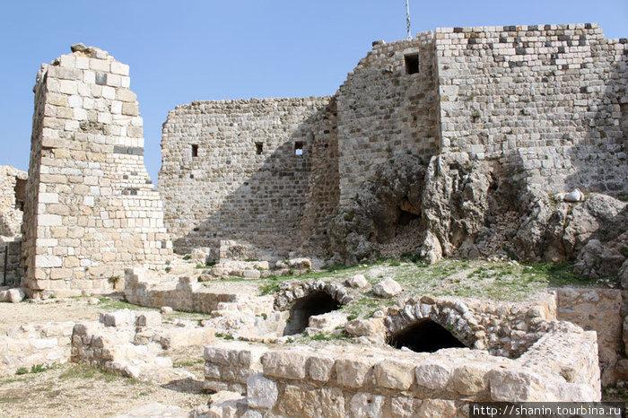 В замке Масиаф