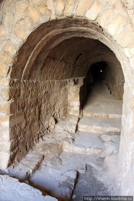 Вход в подземелье замка Масиаф