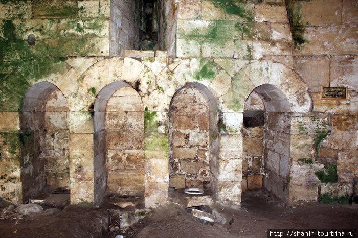 Туалет в замке Крак де Шевалье
